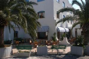 external image of Hotel Azzolini