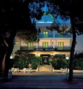 external image of Hotel Milano Ile De France