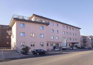 external image of Hotel Mary
