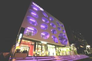 external image of Sixty Hotel