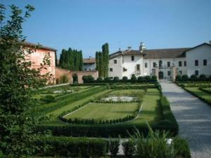 external image of Park Hotel Palazzo d'Attimis M...