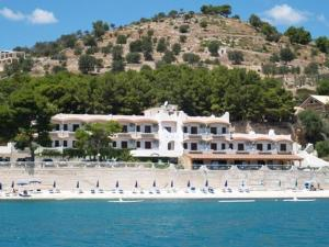 external image of La Veranda Hotel
