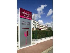 external image of Hotel Restaurant Mercure Maure...