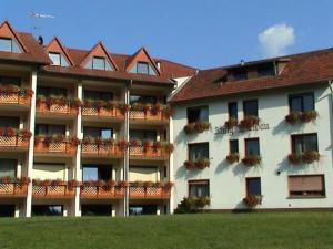 external image of Hotel Burg Waldau