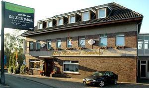 external image of Hotel Restaurant Kronenburg