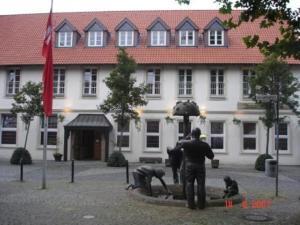 external image of Eynck's Deutscher Vater