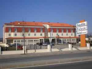 external image of Fundão Palace Hotel