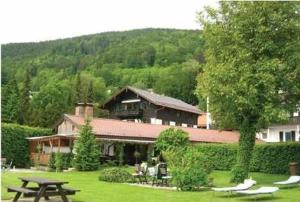 external image of Hotel Bastenhaus am See