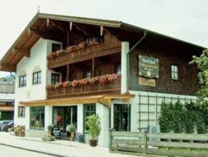 external image of Metzgerei und Gästehaus Grand...