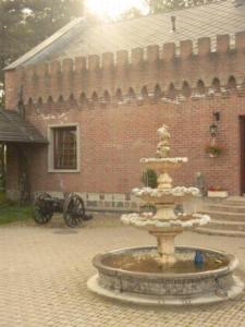 external image of Hotel Zamek Siemiany