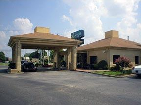 external image of Quality Inn Airport / Gracelan...