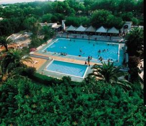 external image of Jonio Club