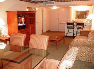 Room Image  1ofClarion Hotel Waco