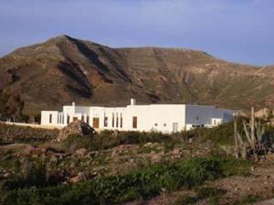 external image of Hotel Los Patios