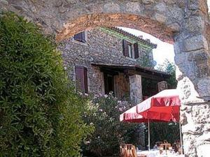 external image of Logis De France Auberge Du Per...