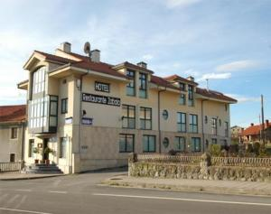 external image of Hotel Zabala