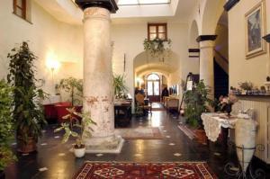 external image of Palazzo Fieschi