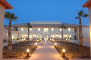 external image of Hotelience Les Jasses De Camar...
