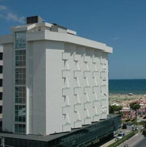 external image of Hotel Regina