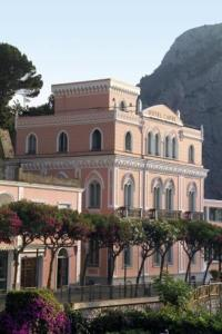 external image of Hotel Capri