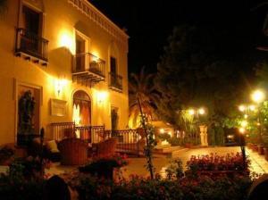 external image of Hotel Domus Aurea