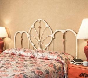 Room Image  1ofThe Orchid Inn Traveler