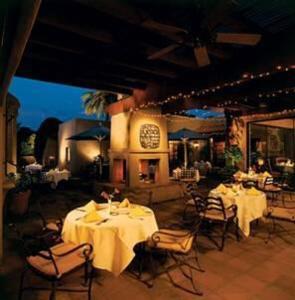 Restaurant Image ofLodge on the Desert