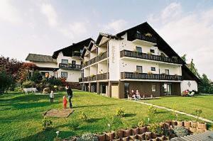 external image of Hotel & Ferienwohnungen Seesch...