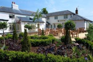 Fox Country Inn (Junction 5, M40) Hotel