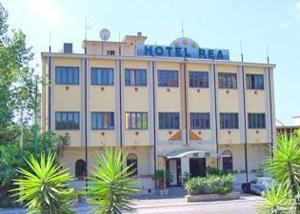 external image of Hotel Rea