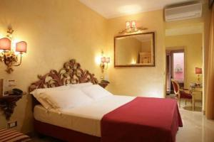 external image of Hotel Veneto Rome