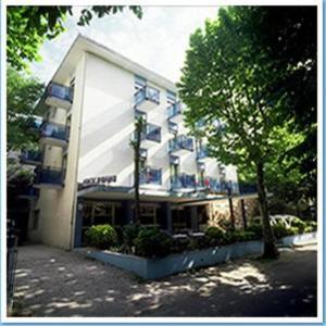 external image of Hotel Belmar