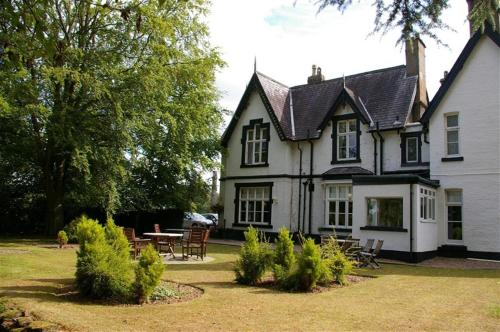 Cross Lanes Country House Hotel